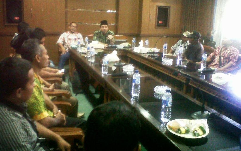 Asosiasi Petani Tembakau Rembang ada versi dua