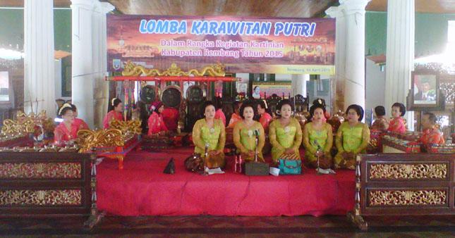 Hari Kartini, Lomba Tradisional Digelar
