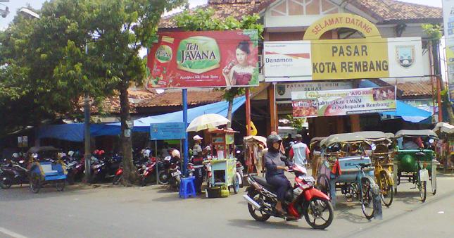 Pasar Sudah Semrawut, Perlu Penataan