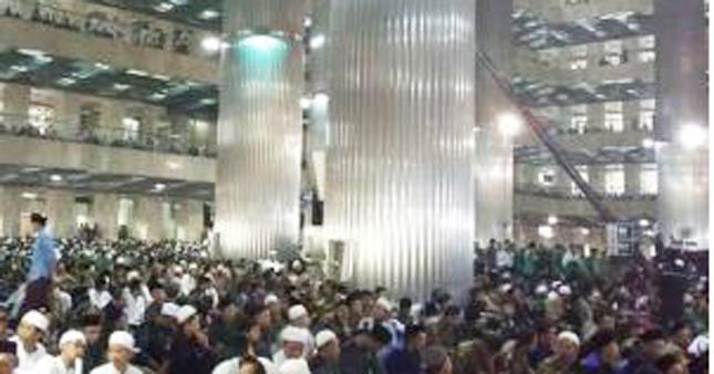 Jelang Ramadhan, 25 Ribu Warga Ikuti Istighosah Akbar