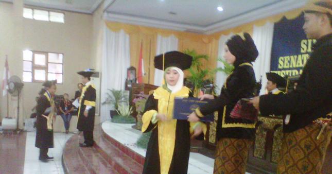 118 Mahasiswa S1 STIE YPPI Diwisuda