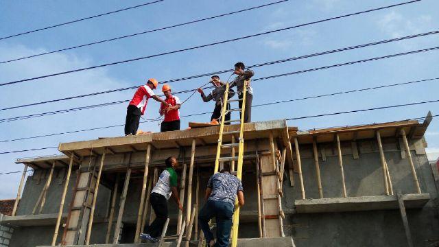 Tersengat Listrik, Buruh Bangunan Tewas
