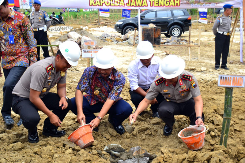 Kapolda Jateng Hadiri Peletakan Batu  Pertama Bhayangkara Residence
