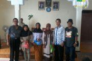 Wartawan Rembang Bagikan Bibit Tanaman dan Sembako