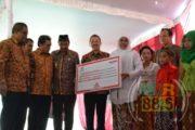 Lima Desa Terima Bantuan Taman Bacaan