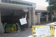 Seorang Diri, Suparno Protes Kasus Kekerasan di SMP 3