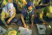Viral, Beredar Foto Siswa Makan di Tanah