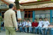Tercyduk! Usai UTS, Belasan Pelajar di Rembang Tenggak Miras Sambil Merokok
