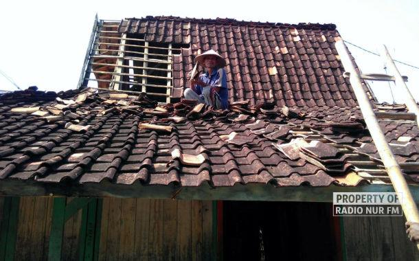 16 Rumah di Sulang Diterjang Puting Beliung