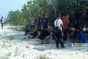 Berkunjung ke Pulau Gede, Puluhan Wartawan Gelar Bakti Lingkungan