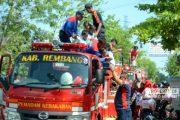 Dengan Ekspresi Panik Petugas Damkar Evakuasi Para Murid TK, Ada Apa?