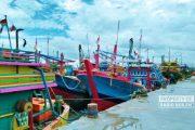 Cuaca Buruk Dengan Ombak Tinggi, Nelayan Rembang Pulang Dini