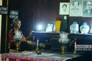 Tanpa Digaji, Nenek Ini Rawat Vihara Kosong Selama 38 Tahun