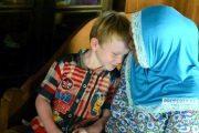 Ada Anak Albino di Rembang, Butuh Uluran Tangan