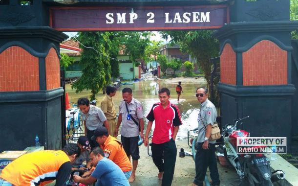 Kebanjiran, Hari Pertama Masuk SMP N 2 Lasem Diliburkan