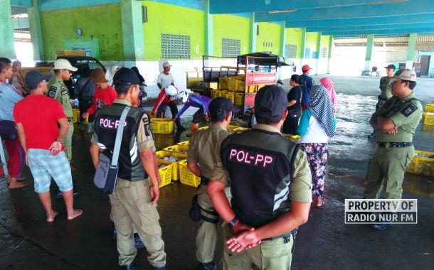 Sempat Ditentang, Proses Lelang Ikan di Rembang Dijaga Satpol PP