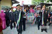 Lepas Anggota yang Purna Tugas, Perwira Polres Rembang 'Narik' Dokar