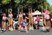 Perdana, Festival Egrang Meriahkan HUT RI di Rembang