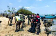 Momentum Hari Santri, Ribuan Personil Banser Bersihkan Pantai di Rembang