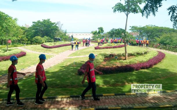 Sejumlah Komunitas Pemuda di Rembang Diajak Berwisata ke Pabrik SG di Tuban