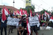 Massa Penolak Pabrik Semen Geruduk Mapolres Rembang
