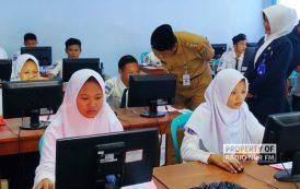 9.459 Siswa SMP Ikuti Ujian Nasional, Seluruhnya Pakai Komputer