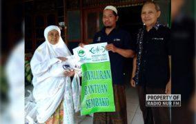 Lewat CSR, Lazisnu Rembang Bagikan Ratusan Sembako