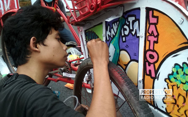 cantiknya karya mural becak di rembang