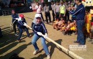 Pejabat Berbaur Bersama Warga Ikut Lomba 17-an di Rembang