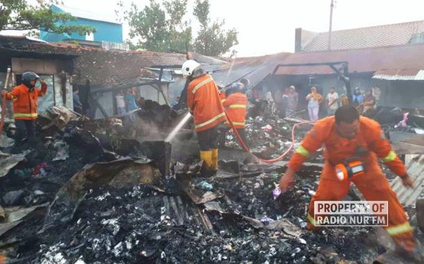 Pasar Sluke Dilalap Si Jago Merah - berita rembang
