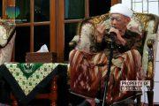 Kenang Sosok Mbah Moen, Alasan Hari Santri Jawa Tengah 2019 Dipusatkan di Rembang