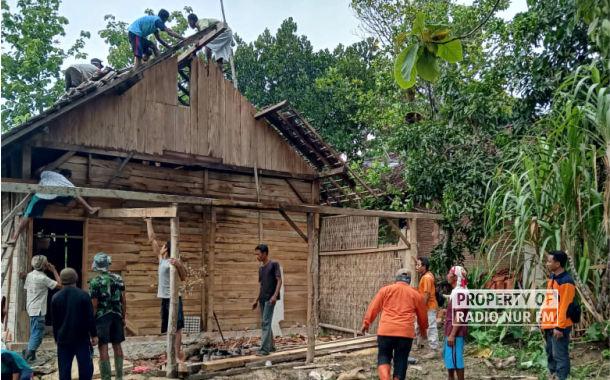 Hujan Deras Disertai Angin, Sejumlah Rumah Warga Rusak