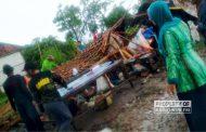 136 Rumah di Desa Bogorejo Sumber Rusak Diterjang Angin Kencang